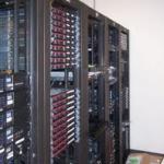 Размещение своего сервера в дата-центре или выделенный?